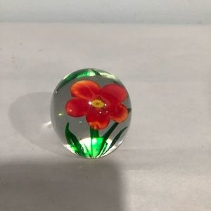 Flower glass paperweight